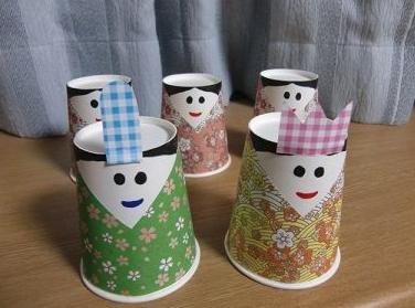 紙コップの雛人形画像