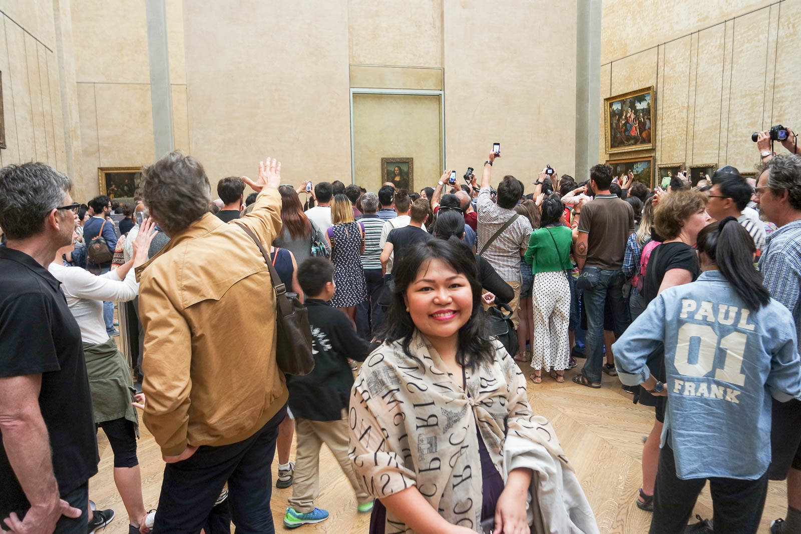 Louvre Mona Lisa Crowd