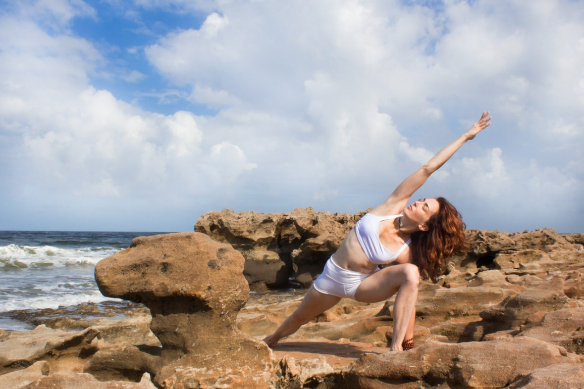 Joy Wolfe, Yoga, Prananda, Extended side angle pose, Blowing Rocks, Jupiter, FL