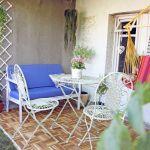 Loc de luat masa pe terasa amenajata de designerii Val Decor