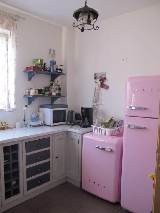 adelaparvu.com despre bucatarie mica in nuante pastelate1