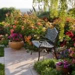adelaparvu.com despre gradina formala cu flori  design Margie Grace (9)