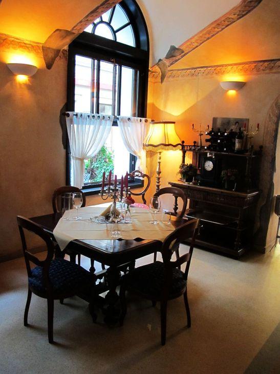 adelaparvu.com despre Cafeneaua Veche (10)