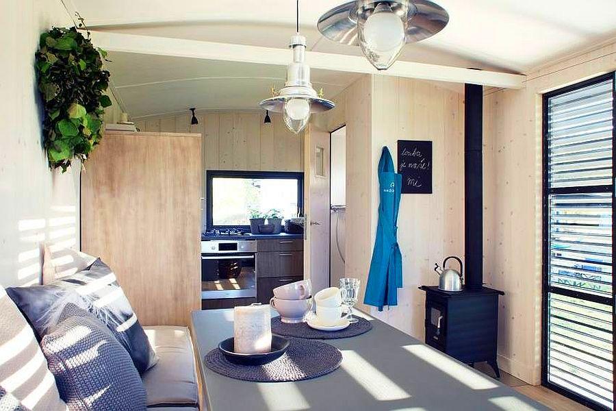 adelaparvu.com despre casa din lemn pe roti, design Miramari Design (7)