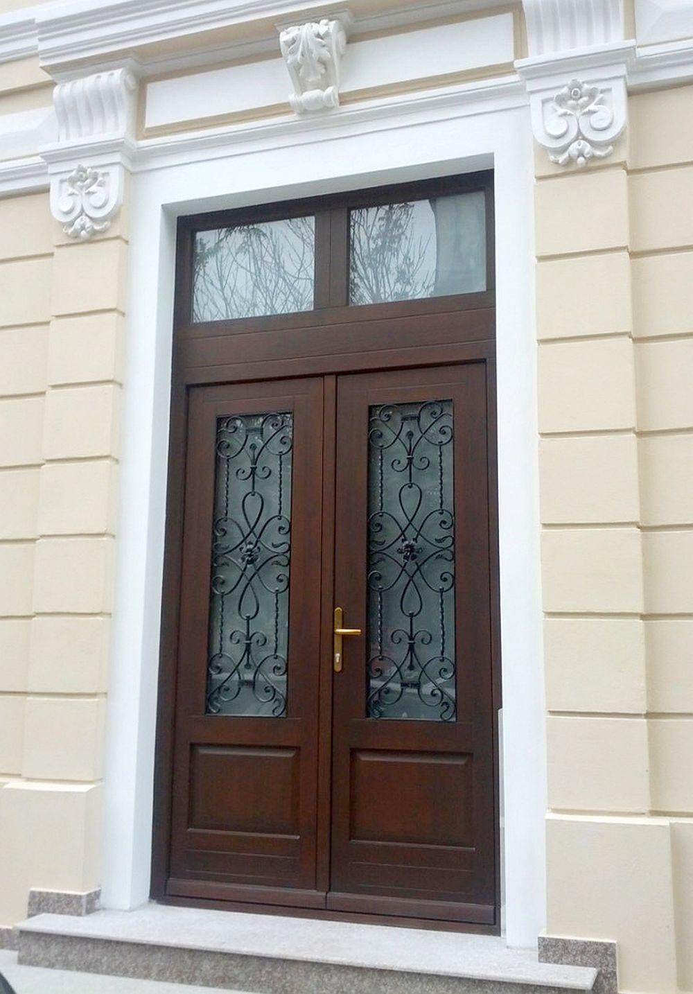 adelaparvu.com despre usi din lemn masiv stratificat fabricate in Romania, usi TGG (1)