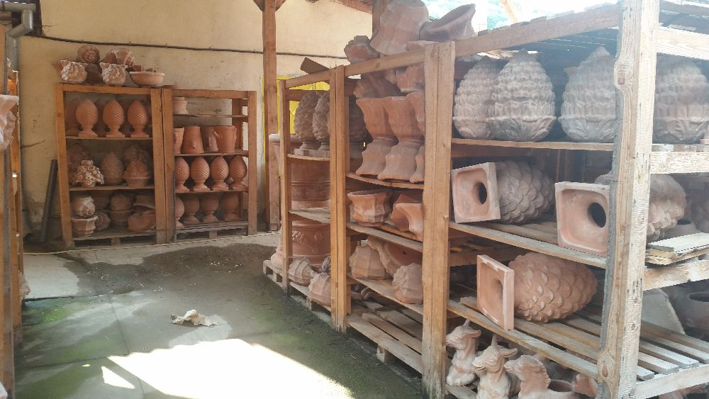 adelaparvu.com despre vase de gradina, ghivece si ornamente din teracota, lut, Terecote Sighisoara Romania (16)