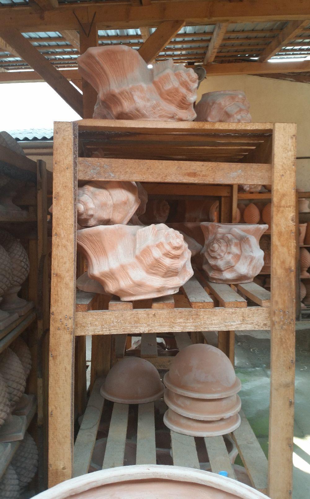 adelaparvu.com despre vase de gradina, ghivece si ornamente din teracota, lut, Terecote Sighisoara Romania (17)