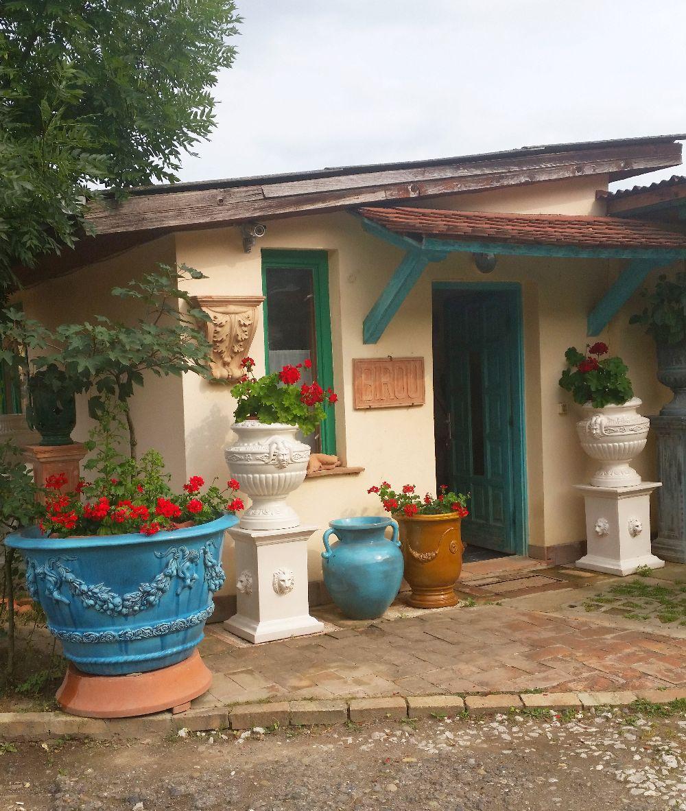 adelaparvu.com despre vase de gradina, ghivece si ornamente din teracota, lut, Terecote Sighisoara Romania (2)