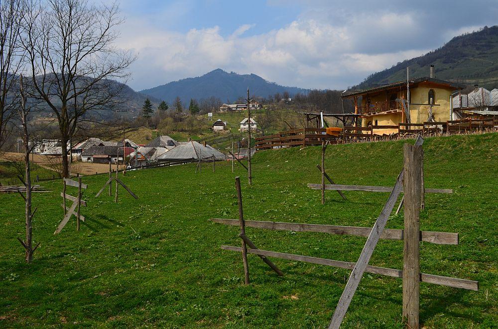 adelaparvu.com despre casa din baloti de paie Popasul Verde, Sangeorz Bai, Romania, proprietar Paul Axinte (20)