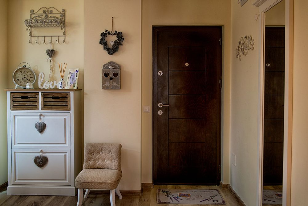 adelaparvu.com despre amenajare apartament 2 camere Constanta, design interior Ana Maria si Laur Ivanof, Styling Oana Gardon, Foto Marian Sterea (76)
