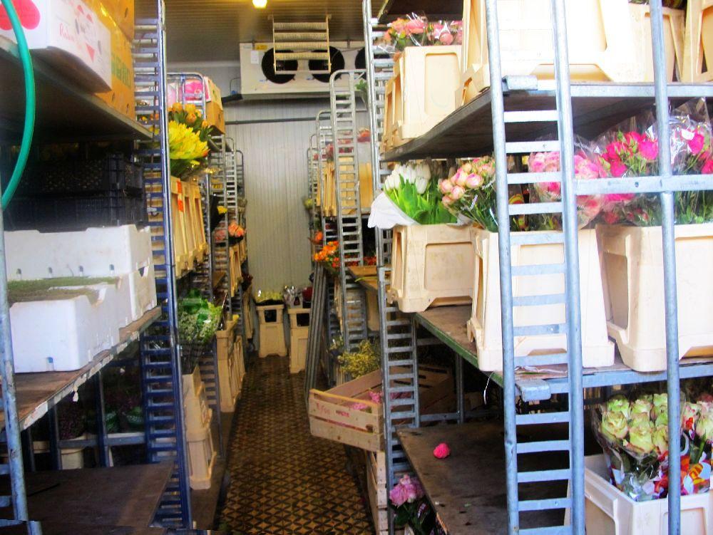 adelaparvu.com despre atelierul designerului florist Nicu Bocancea, Foraria Iris, design interior Pascal Delmotte (24)