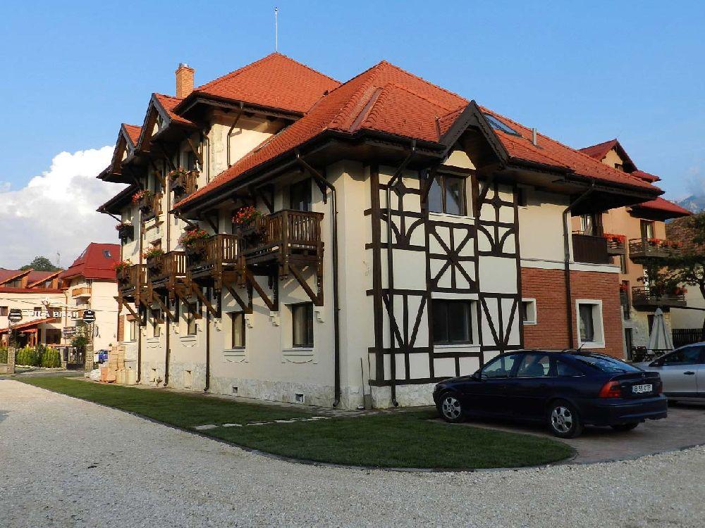 adelaparvu.com despre Casa din Bran Pension, arhitectura Gabriel Henegar, Designer interior Marinela Filip, Foto Andreea Pasca  (2)