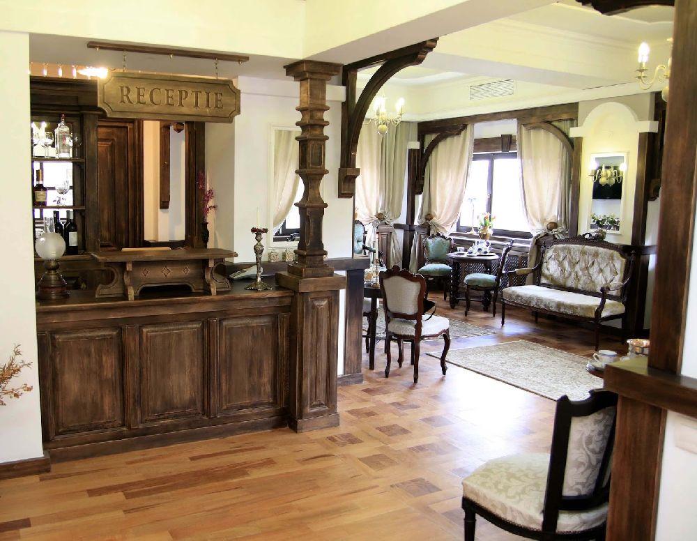 adelaparvu.com despre Casa din Bran Pension, arhitectura Gabriel Henegar, Designer interior Marinela Filip, Foto Andreea Pasca  (3)