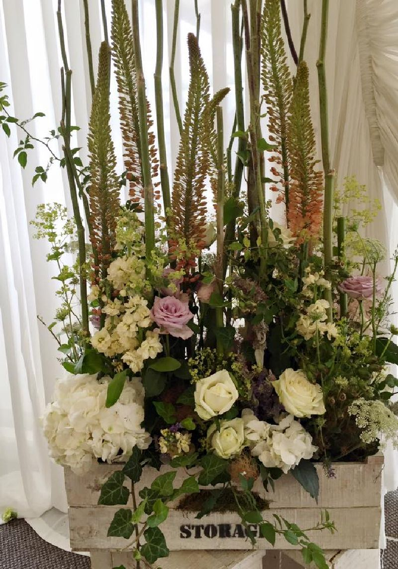 adelaparvu.com despre decor floral pentru nunta in cort, design floral Nicu Bocancea, Floraria Iris (5)