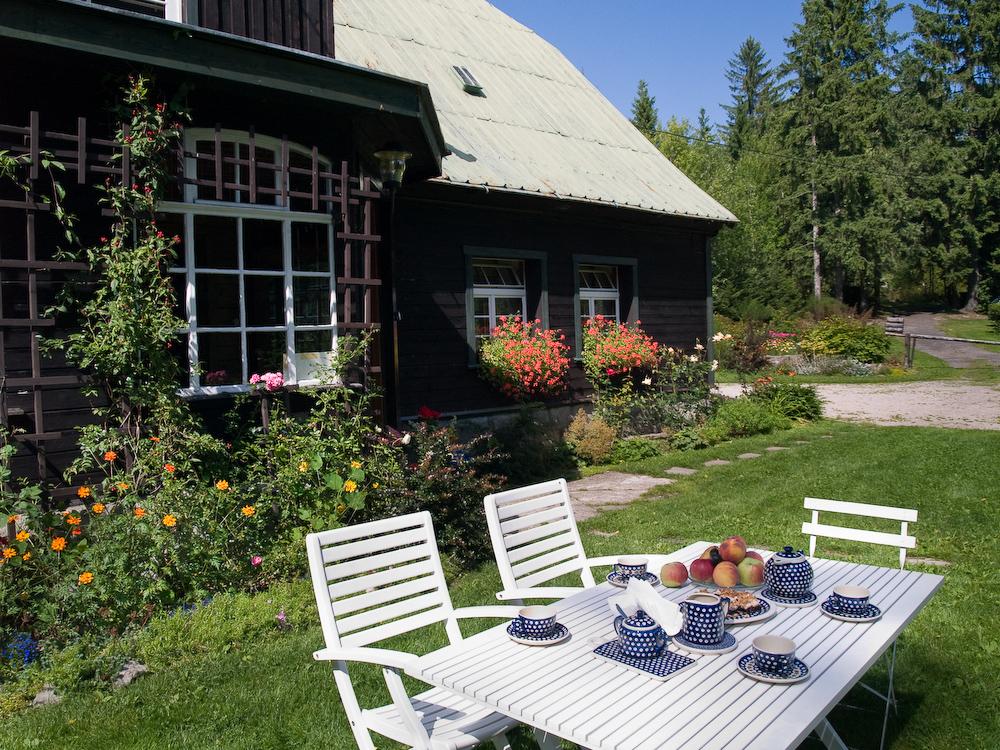 adelaparvu.com despre gradina cu aer salbatic, pensiune Polonia Willa Anna (4)