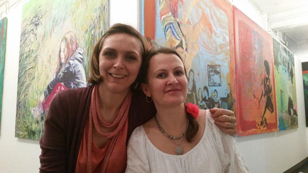 Alături de pictorița Mirela Trăistaru