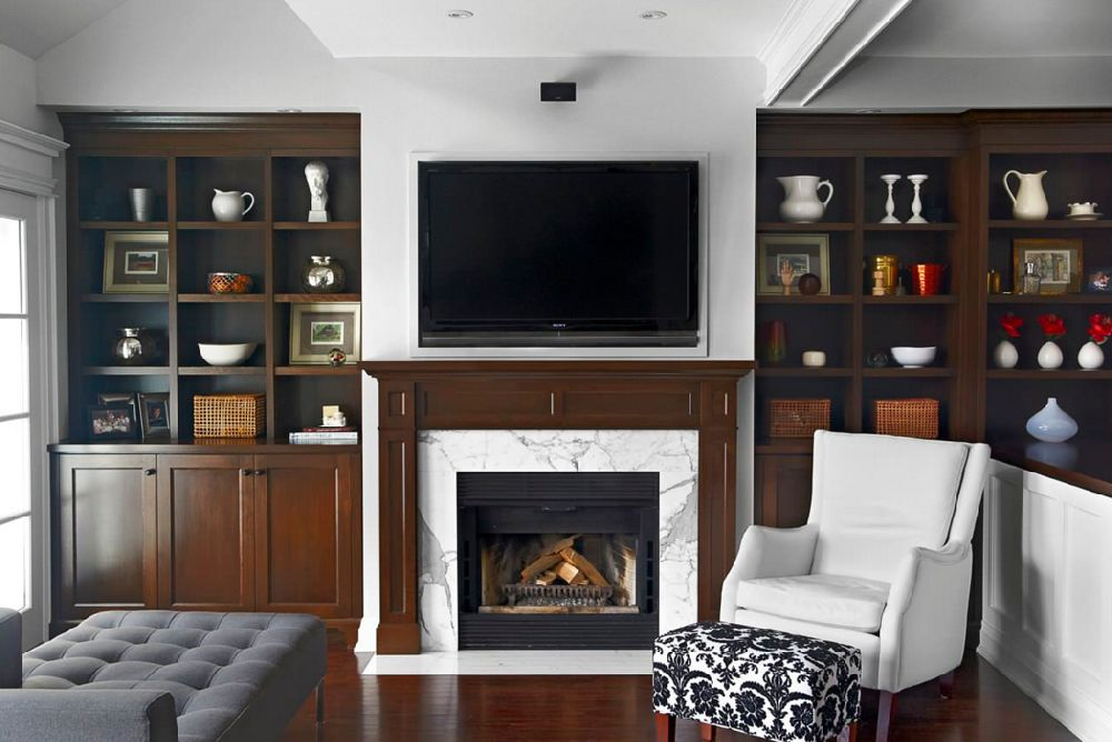 130 de idei pentru living cu televizor i emineu pe for Household design consultancy