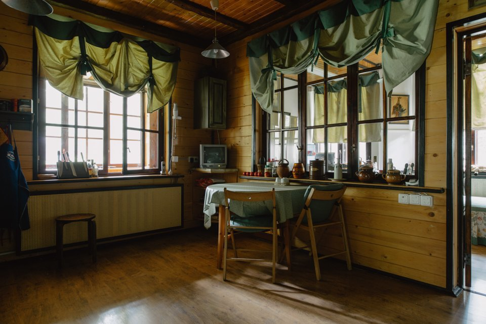 adelaparvu.com despre casa de vacanta rustica Rusia, arhitecti Sergei Zaitsev, Marina Sergeyeva, Foto Vika Bogorodkaya (5)
