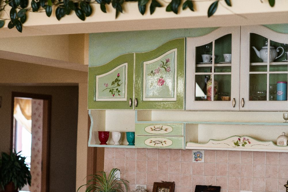 adelaparvu.com despre mobila din lemn pictata, artist Cristina Moldovan, Pictural Decor, Foto Gerry Husti (20)