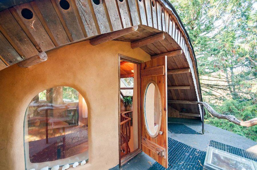 adelaparvu.com despre casa de vacnata din lut, Cob Cottage, canada, design Cobworks si Cob Cottage Company (13)