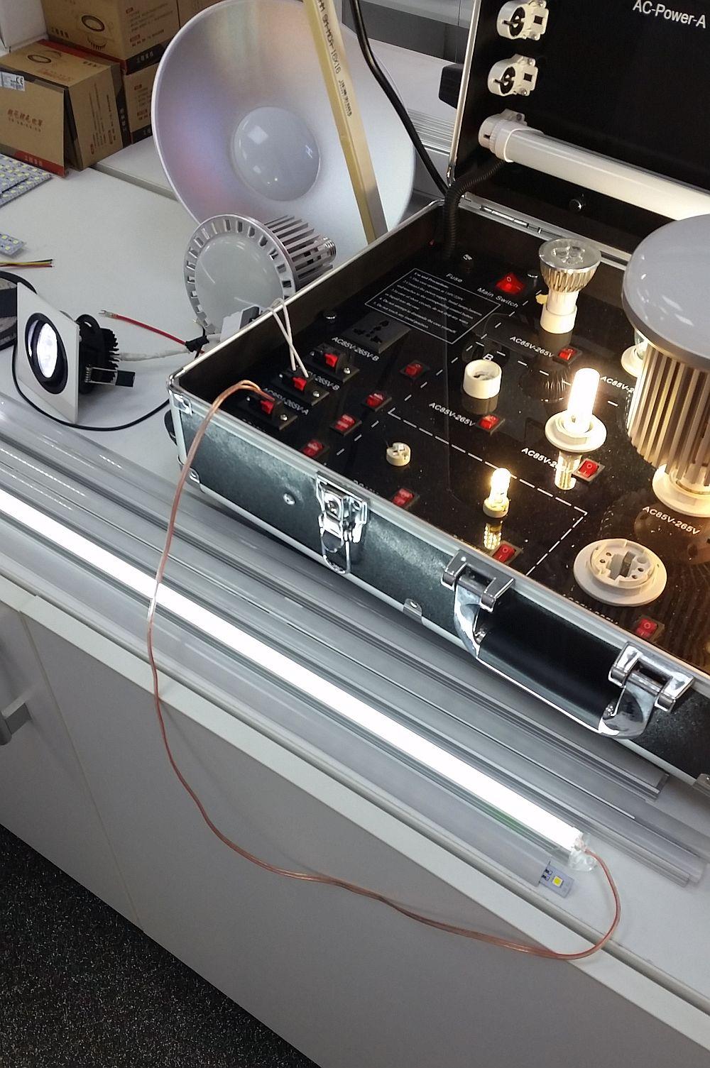adelaparvu.com despre becuri LED asamblate in Romania, Global Flash Media (2)