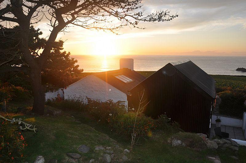 adelaparvu.com despre cabana de vacanta la mare, Cable Hut Cottage, Wales, Foto Unique Home Stays (5)