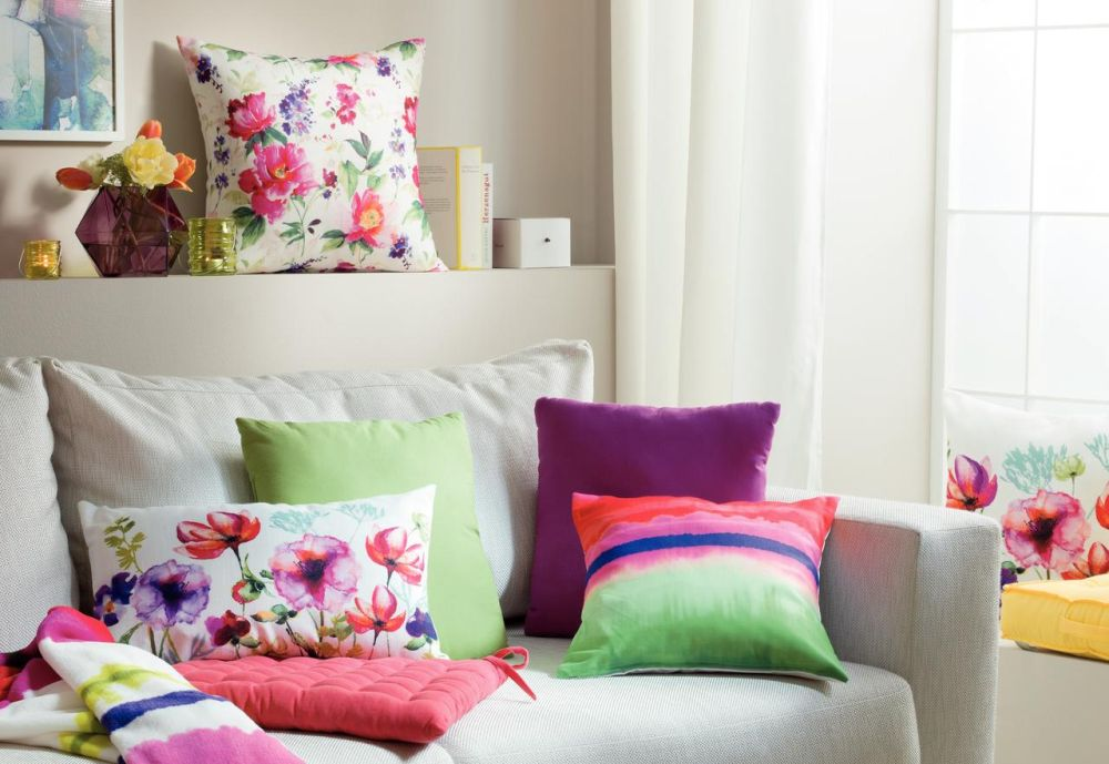 Cu decorațiuni textile îți poți colora casa