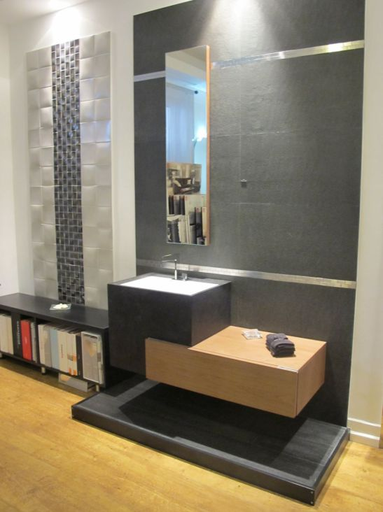 Propunere de baie moderna cu mobilier din lemn de la Dream Home Design