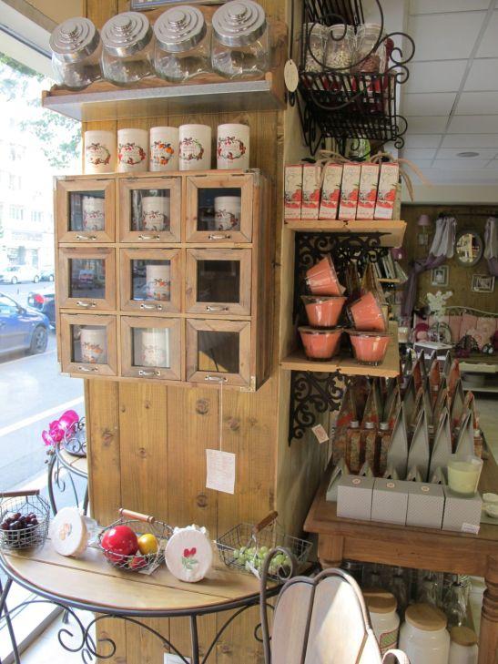 Console din fier si lemn, raft cu borcane pentru bucatarie 427 lei de la Comptoir de Famille