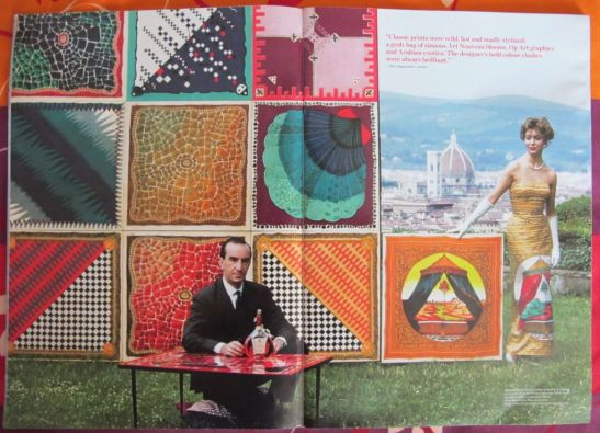 Imagine cu marchizul Emilio Pucci in fata instalatiei cu esarfele sale din colectia Palio (1957) si colectia Botticelliana (1959). Foto publicata in catalogul Tachen 2010