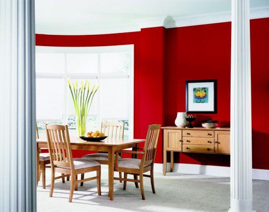 Sufragerie cu pereti de culoare rosie Foto Copyright © Akzo Nobel