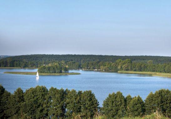 adelaparvu.com despre casa pe malul lacului Foto Rafal Lipski, Weranda Country  (13)