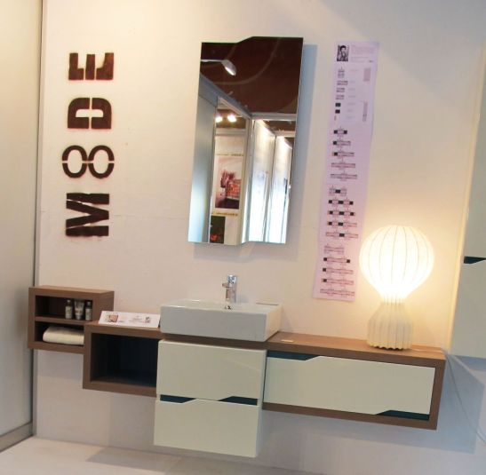 Mobilier baie 8DE, realizat de Delta Studio, designer Constantin Mihai Nicolae