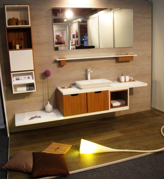Mobilier baie modular, realizat de Delta Studio, designer Pinter Andreea