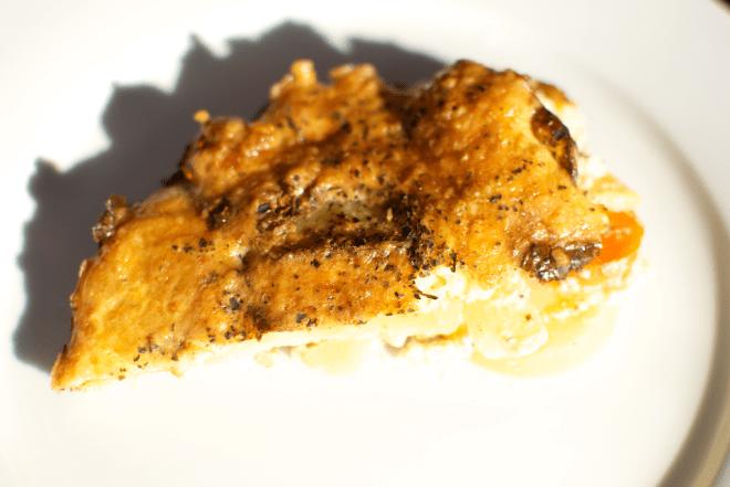 Cartofi copti cu morcov si branza