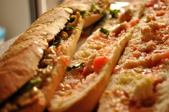andies veggies sandvis cu rosii telina si ulei de masline