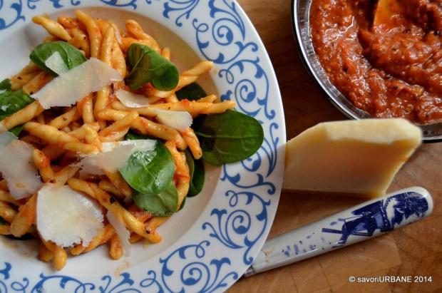 Pasta-cu-rosii-si-usturoi-la-grill-16