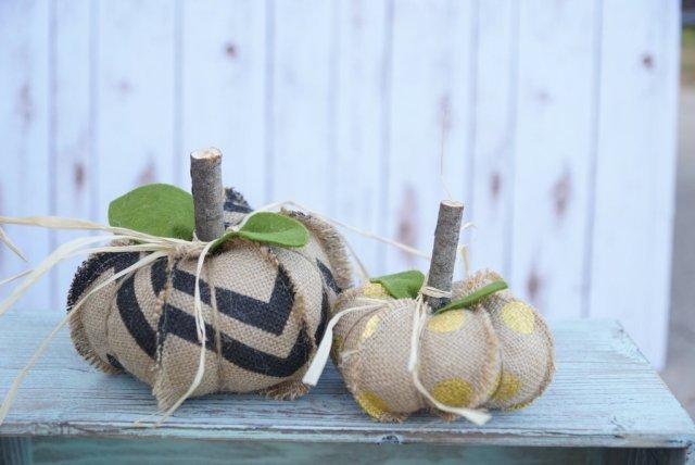 burlap-pumpkins-7