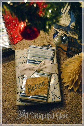 christmas-gifts-with-burlap-name-tags-11