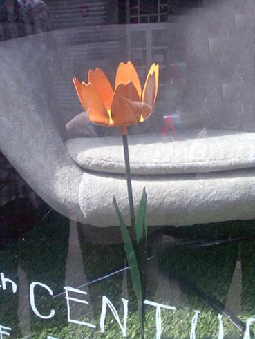 garden-flower-candle-holder