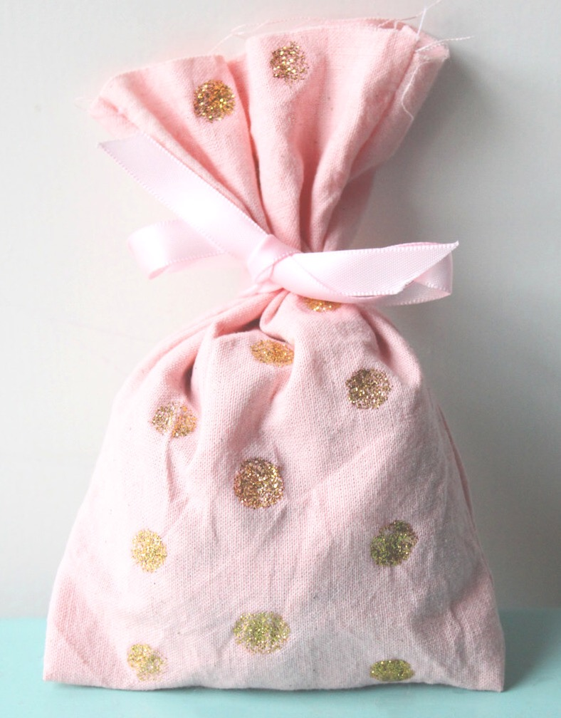 Pink and gold party favour bags