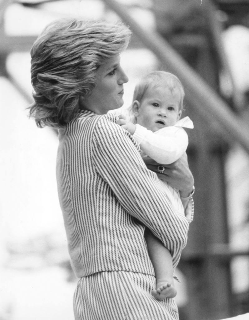 Prinz Harry mit Prinzessin Diana