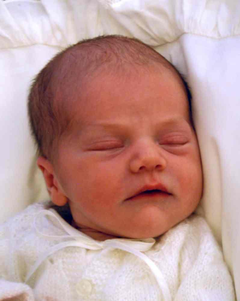 Estelle von Schweden als Neugeborenes