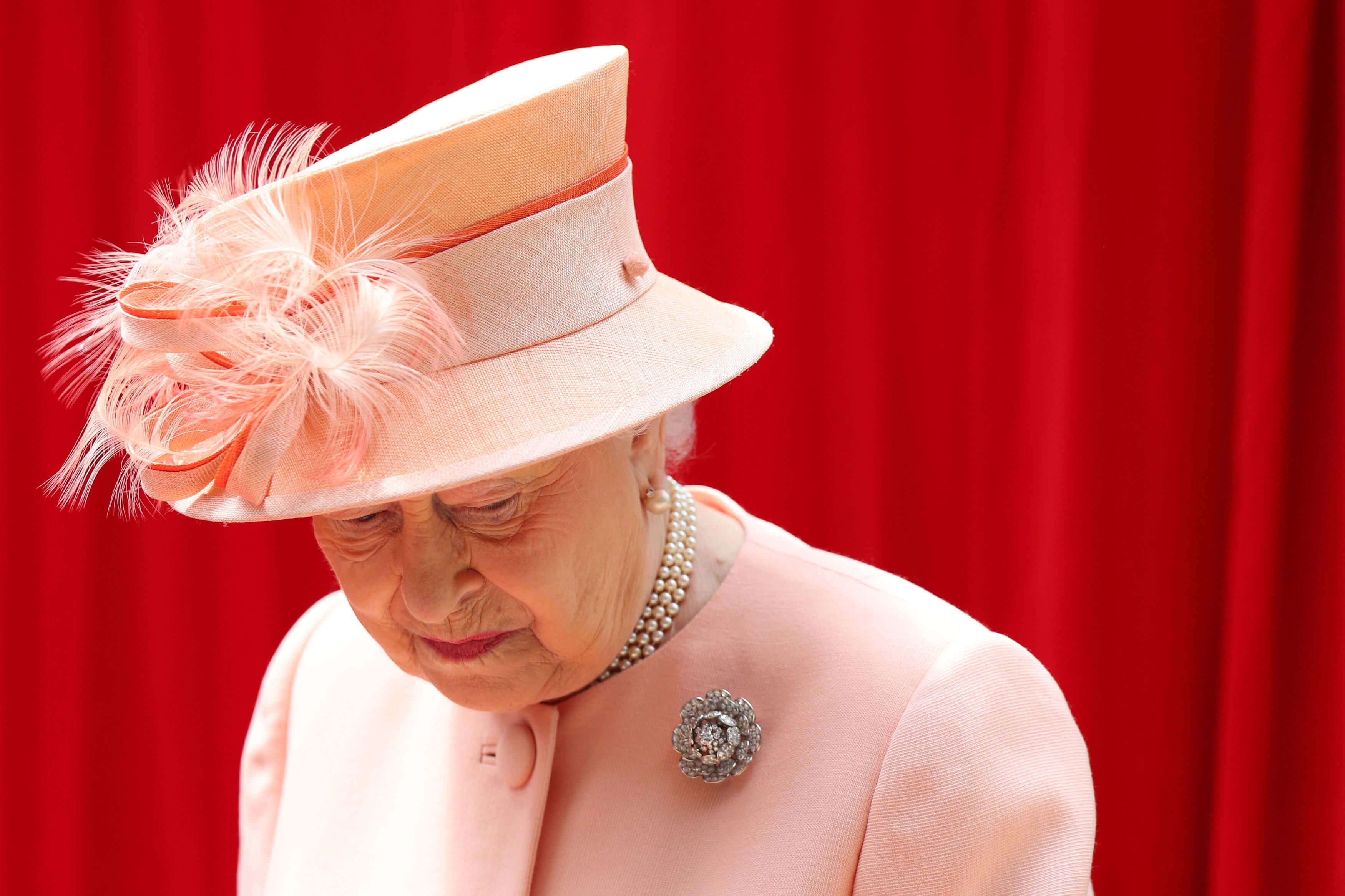 Queen-Elizabeth-arbeitet-schon-wieder