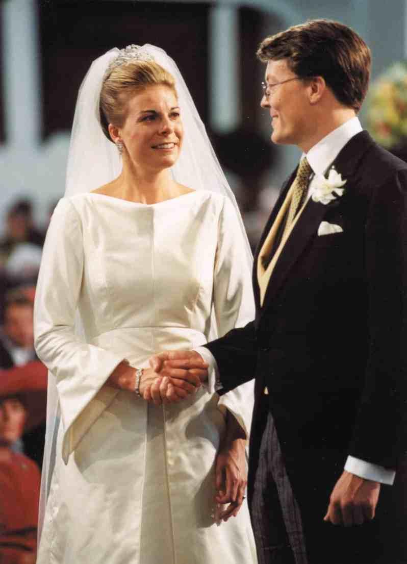 Royale Brautkleider