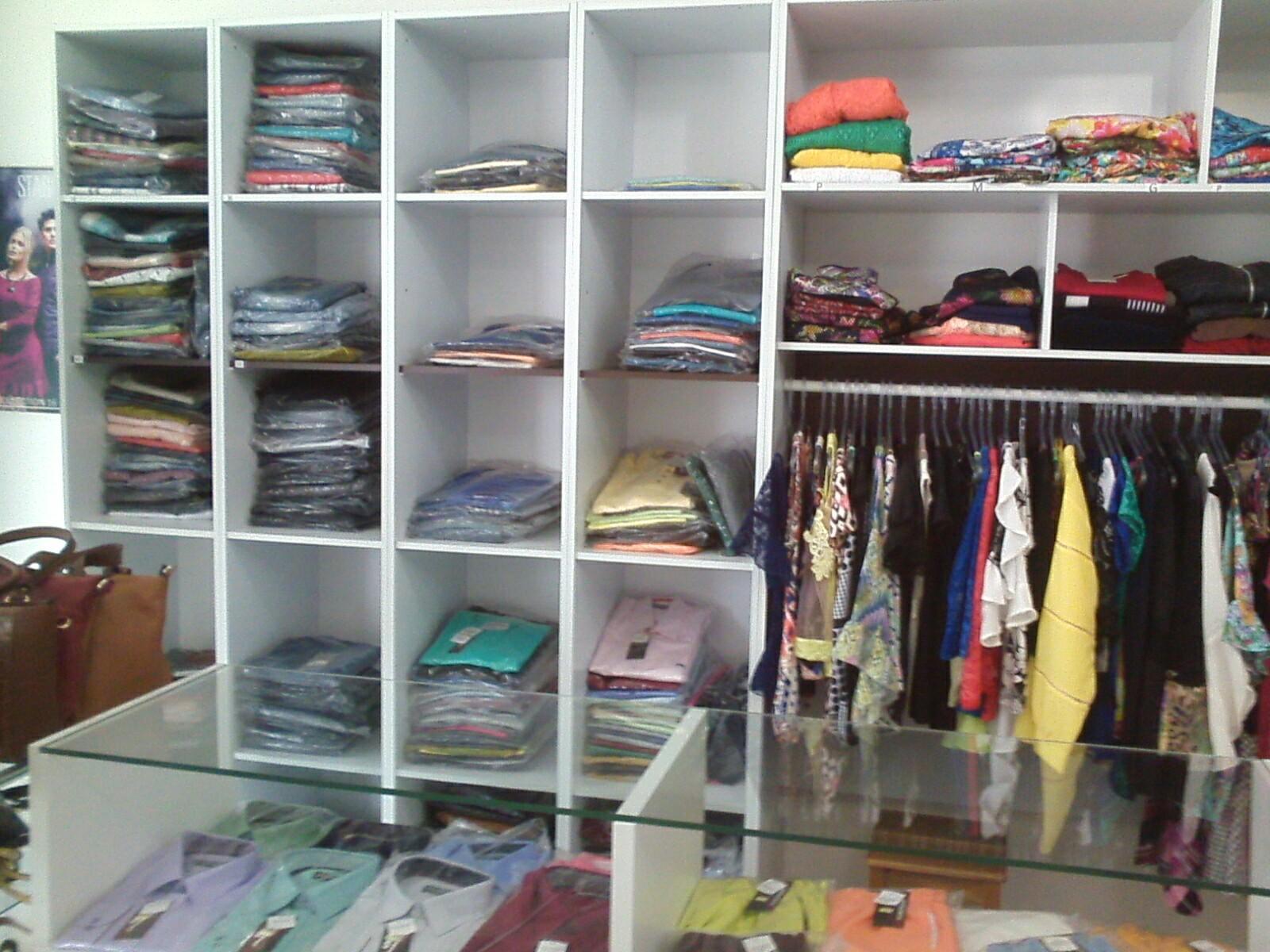 775632bb7bb Na Loja Criativa você encontra roupas masculinas e femininas de diversas  marcas