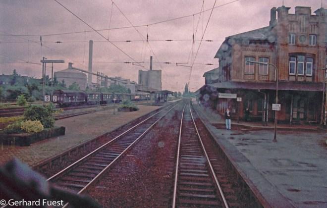 Mitfahrt auf der Lok 110 299 von Hannover nach Göttingen und zurück mit Chrissi auf der Führerstand. 110 299 war mal ca. 1963 schnellste Lok der DB, Schnellfahrten zwischen Würzburg und Bamberg