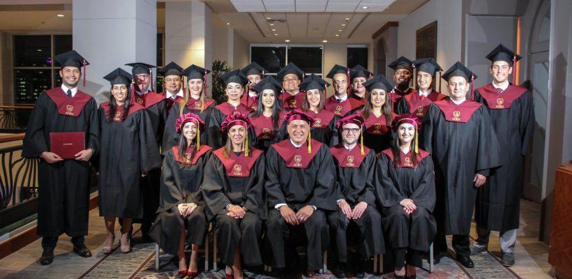 Primera graduación de ADEN University en Miami