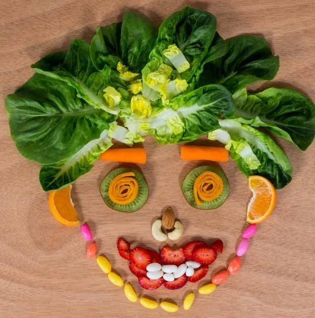 Manfaat buah dan sayur untuk kecantikan dan kesehatan tubuh adalah menjaga kulit supaya awet muda dan sehat secara alami dan aman.