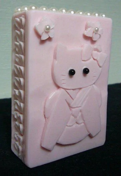 Gambar kerajinan sabun bentuk hello kitty